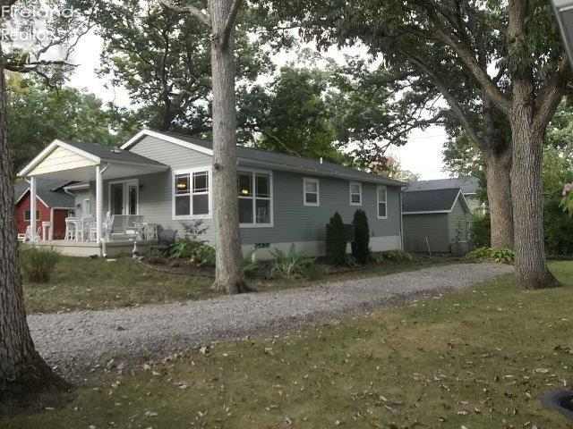650 CENTRAL AVENUE, LAKESIDE, OH 43440  Photo 2