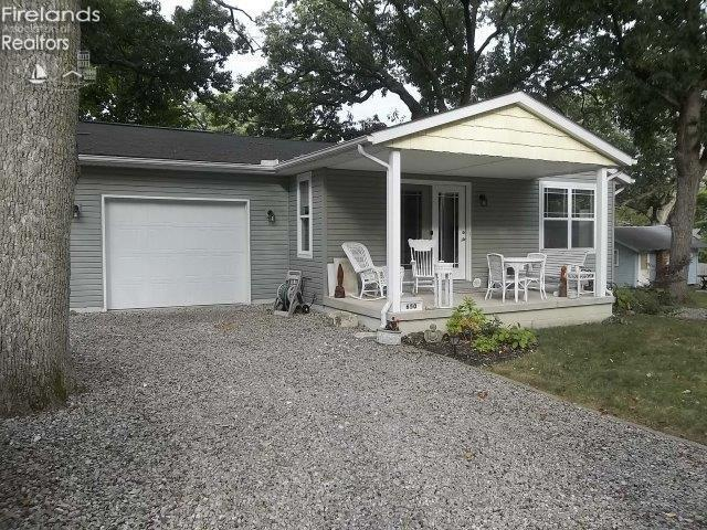 650 CENTRAL AVENUE, LAKESIDE, OH 43440  Photo 3