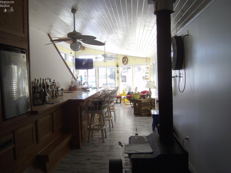 114 GEAUGA, HURON, OH 44870  Photo 16