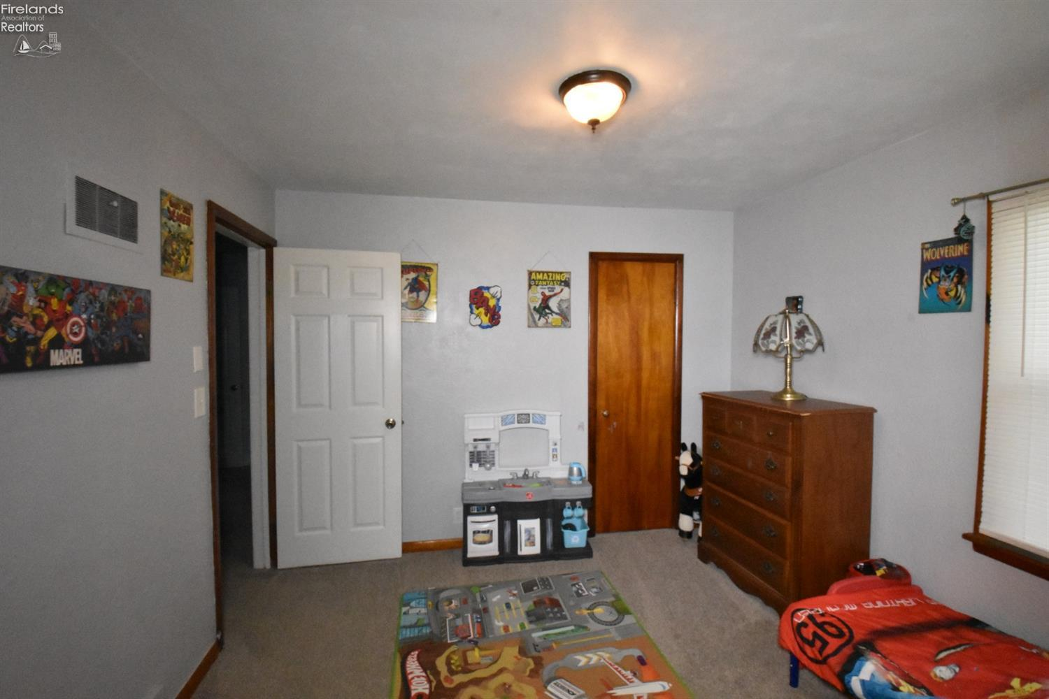 900 W COLE ROAD, FREMONT, OH 43420  Photo 16