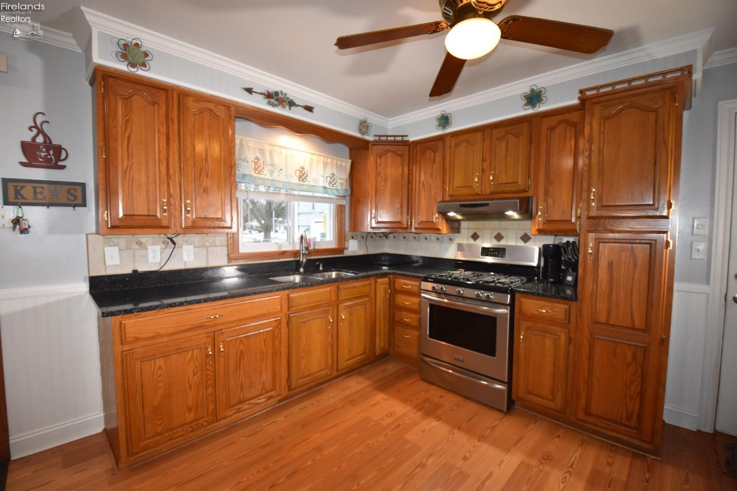 900 W COLE ROAD, FREMONT, OH 43420  Photo 10