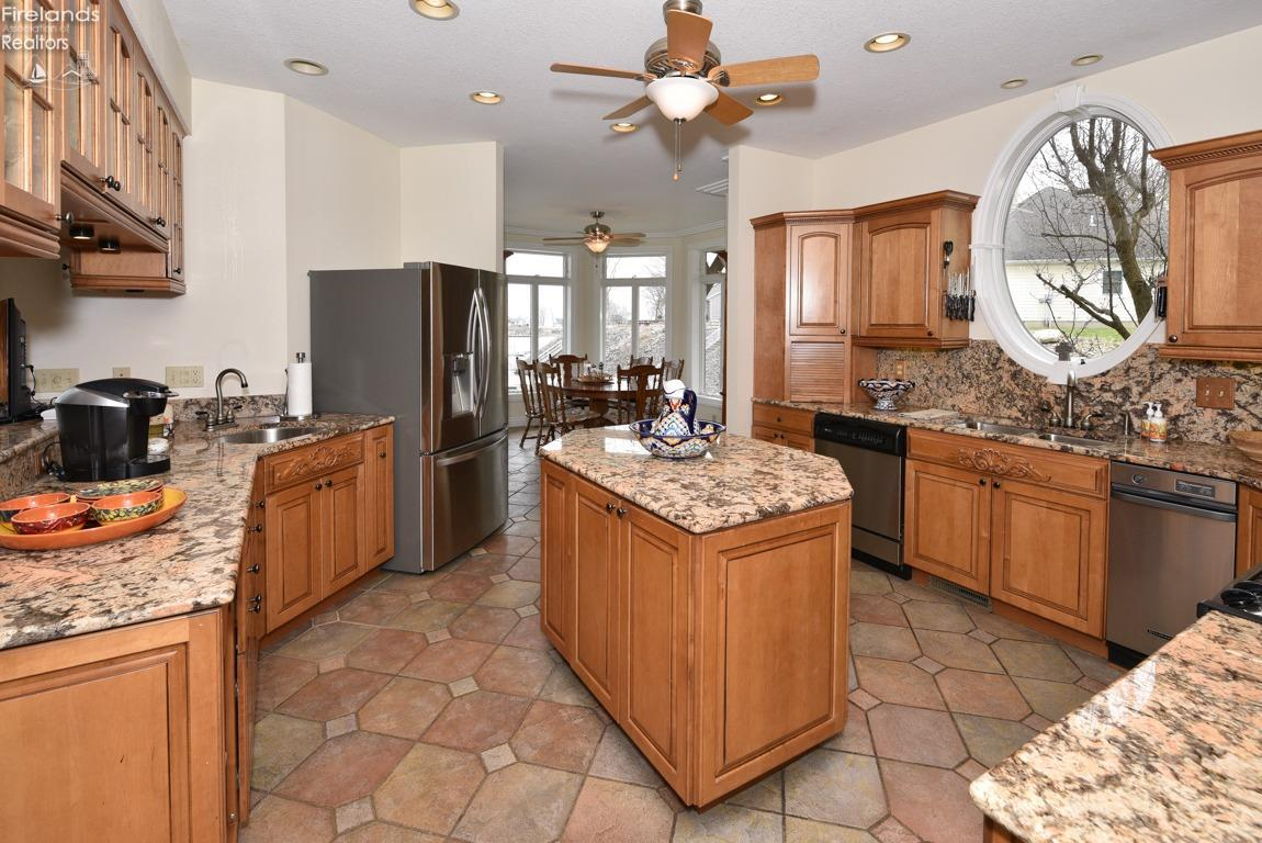 4081 QUARRYSTONE COURT, MARBLEHEAD, OH 43440  Photo 15