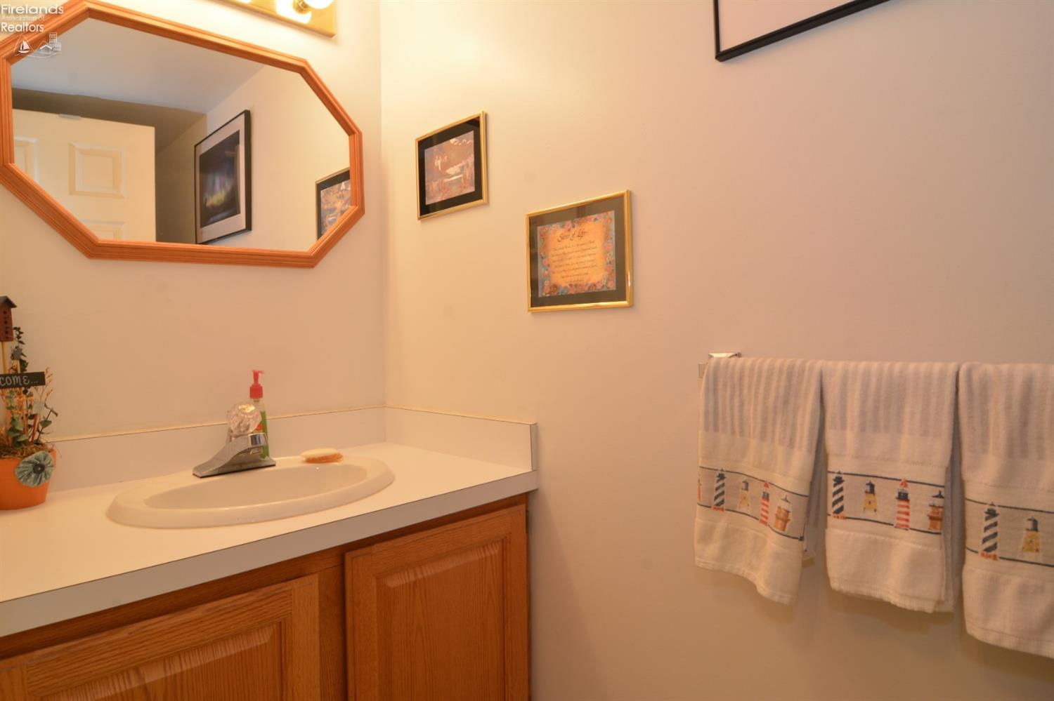 616 MONUMENT VIEW, MARBLEHEAD, OH 43440  Photo 14