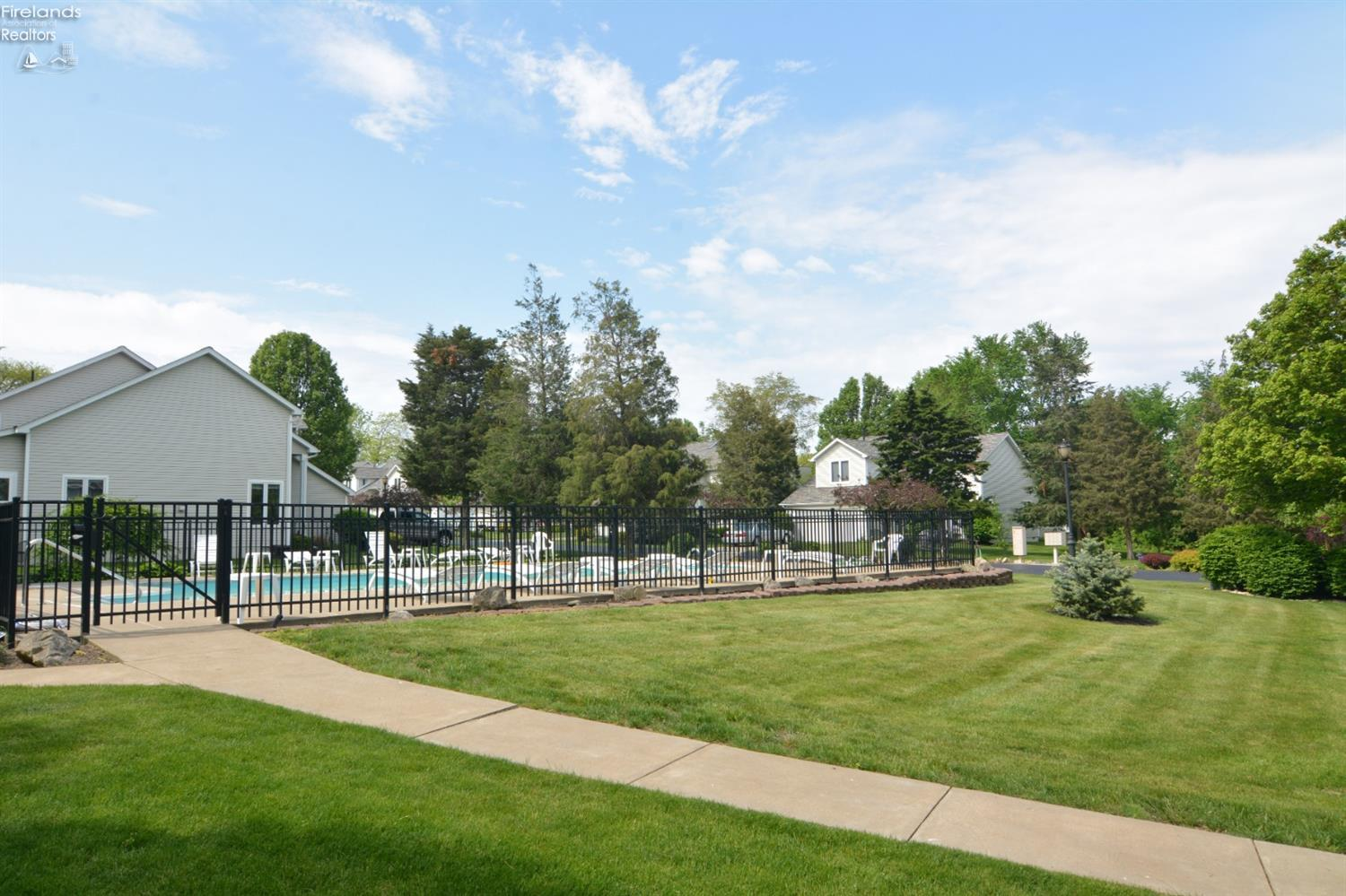 616 MONUMENT VIEW, MARBLEHEAD, OH 43440  Photo 22
