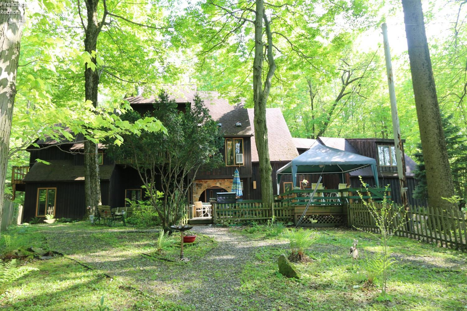1915 NW CLAUS ROAD, VERMILION, OH 44089