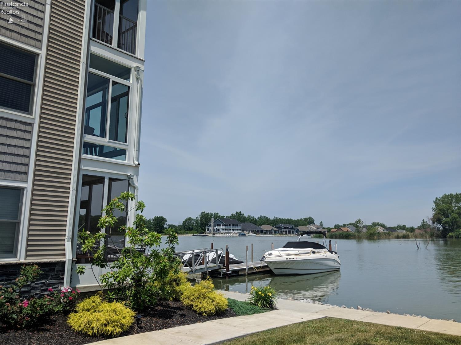 2550 S. WATERSIDE CT #121, MARBLEHEAD, OH 43440  Photo 19