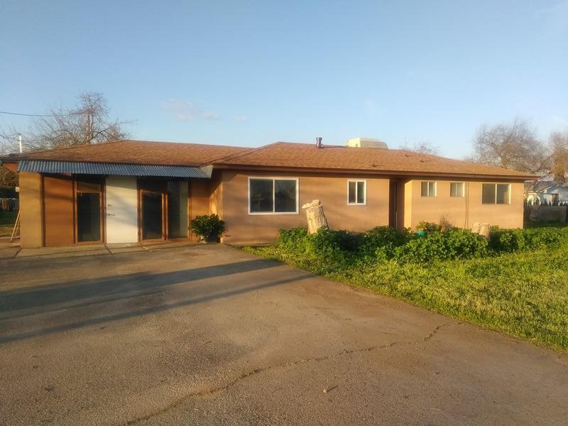 6746 W MCKINLEY AVENUE, FRESNO, CA 93723