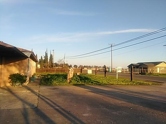 6746 W MCKINLEY AVENUE, FRESNO, CA 93723  Photo 19