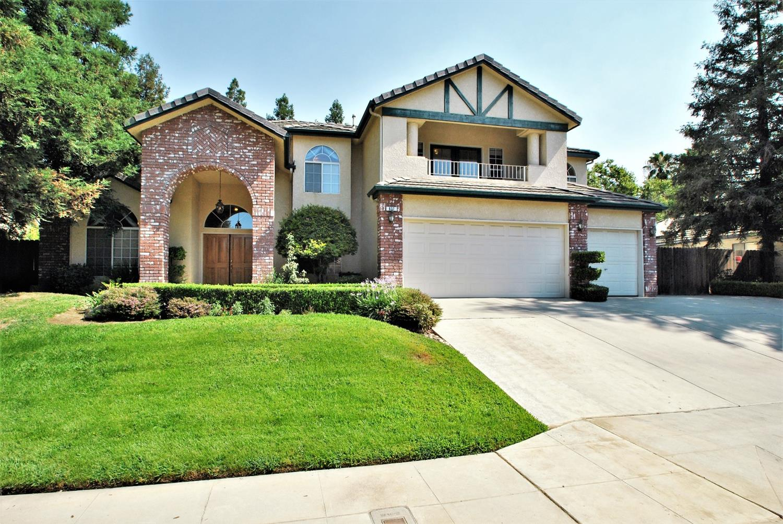 Photo of 637 W Chennault Avenue, Clovis, CA 93611
