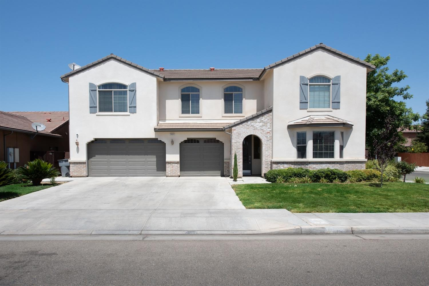 Photo of 5880 W Donner Avenue, Fresno, CA 93722