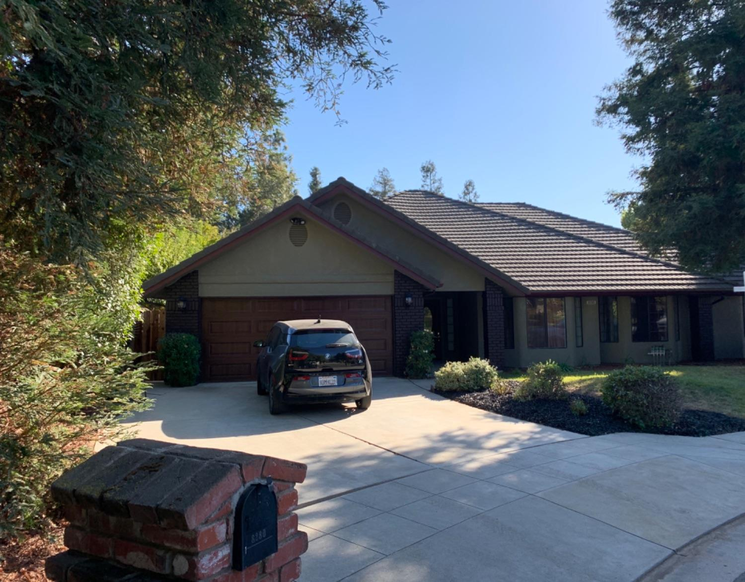 Photo of 8280 N Yorktown Drive, Fresno, CA 93720