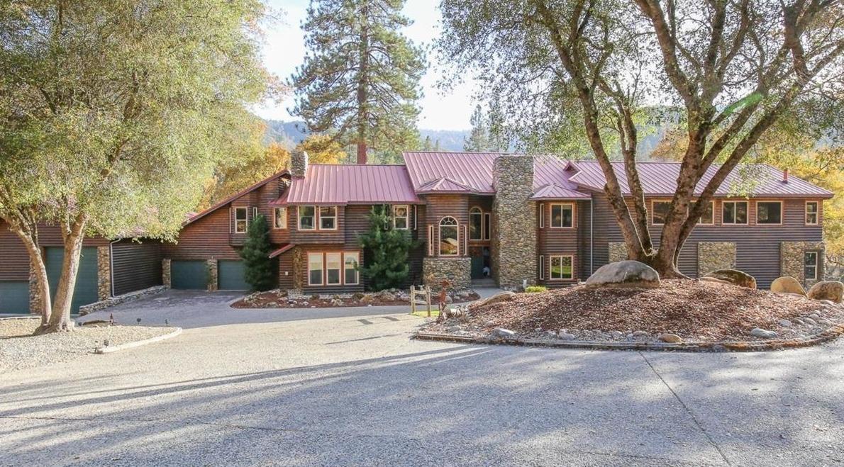 Photo of 40367 Goldside Drive, Oakhurst, CA 93644