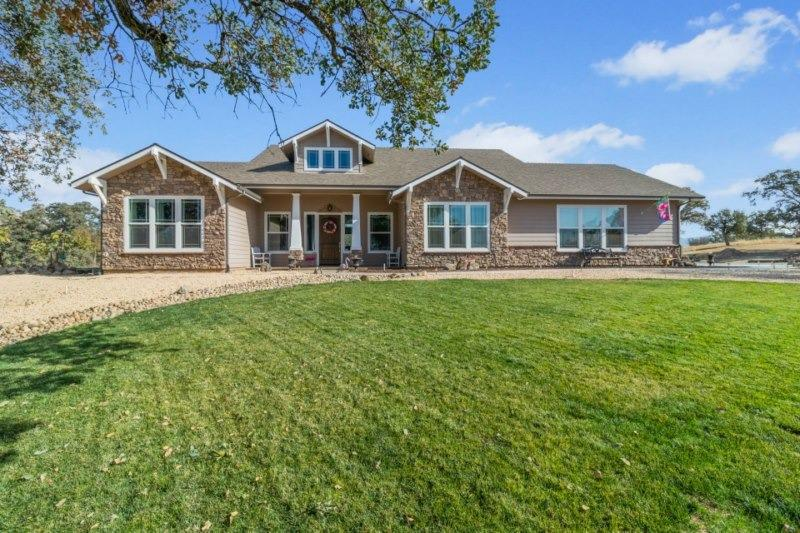 Gorgeous estate in heart of Prather and just 25 minutes from Fresno & Clovis on 41 fenced acres.Walk to Foothill Elementary school & close to shopping. This very custom, 2x6 constructed one story hm features a huge great rm w/19' vaulted ceiling, a huge bonus room AND an office in addition to the 3 bdrms & 3 baths and a dream kitchen. The ceilings in the huge formal dining room & master bedroom are tiered for extra beauty. There's a 30x60 shop, attached 3 car garage, fenced garden & orchard, Alderwood cabinets, recessed lighting, 6 baseboards & honeycomb blinds throughout. There are paths throughout property and views from every window.If it's privacy, beauty and quality living you are looking for, schedule a tour today. The many features of this home are listed on an attached pdf document.