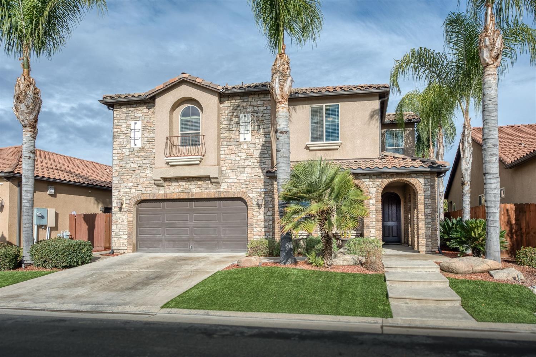 Photo of 1532 E Via Estrella Drive, Fresno, CA 93730
