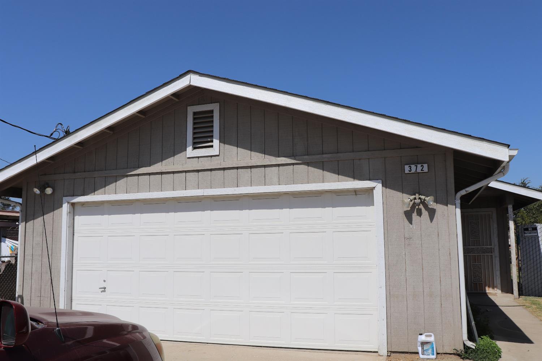 Photo of 372 W North Avenue, Fresno, CA 93706