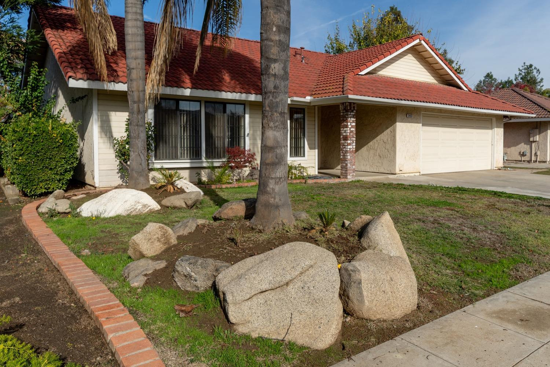 Photo of 2483 Beverly Avenue, Clovis, CA 93611