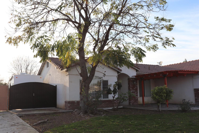 Photo of 2464 S Phillip Avenue, Fresno, CA 93727