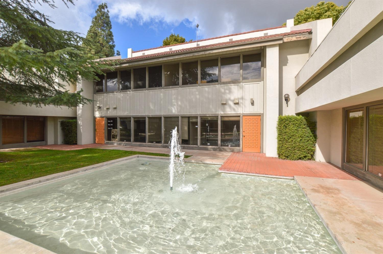 4928 E Clinton Wy, Fresno, CA, 93727