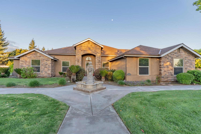 Photo of 1450 N Applegate Avenue, Fresno, CA 93737
