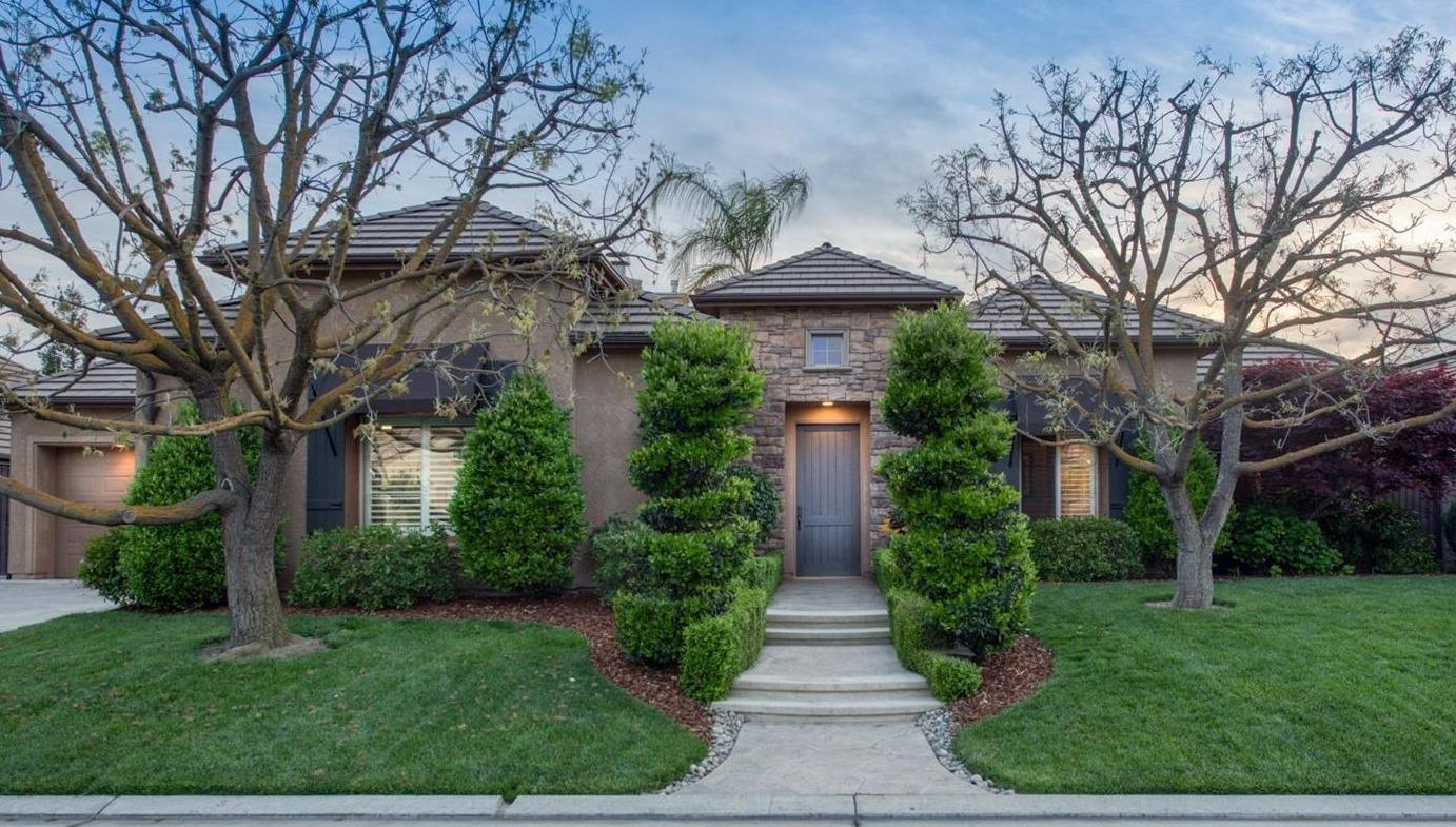 Photo of 10627 N Old Course Drive, Fresno, CA 93730