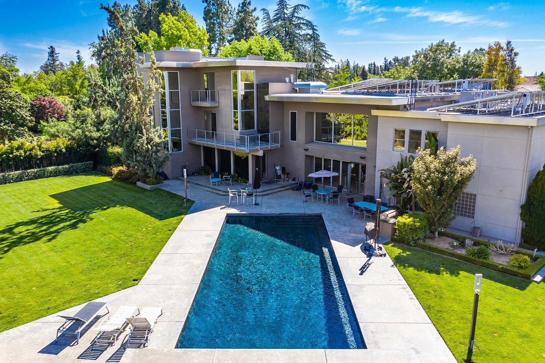 Photo of 6490 N Sequoia Avenue, Fresno, CA 93711