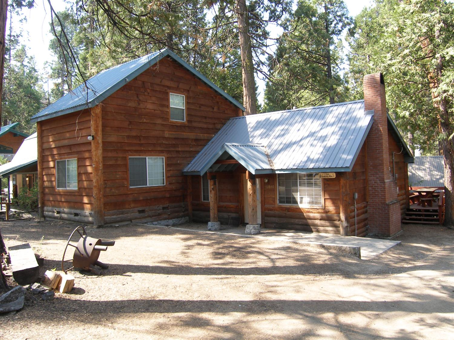Photo of 41840 Kinglet Avenue, Shaver Lake, CA 93664