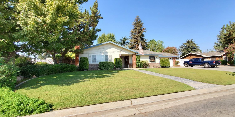 Photo of 11908 Brockridge Court, Bakersfield, CA 93312