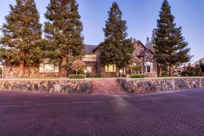 Photo of 16393 Auberry Road, Clovis, CA 93619