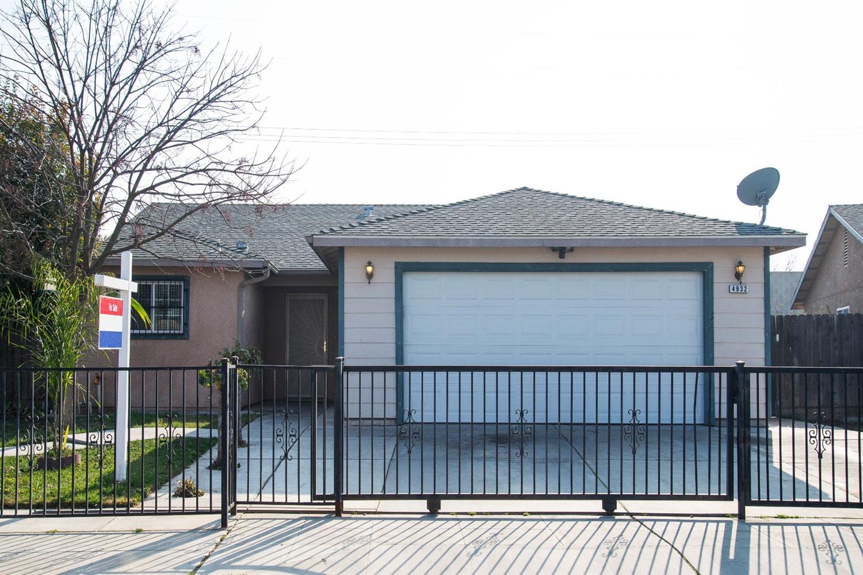 Photo of 4932 E Hoxie Avenue, Fresno, CA 93725