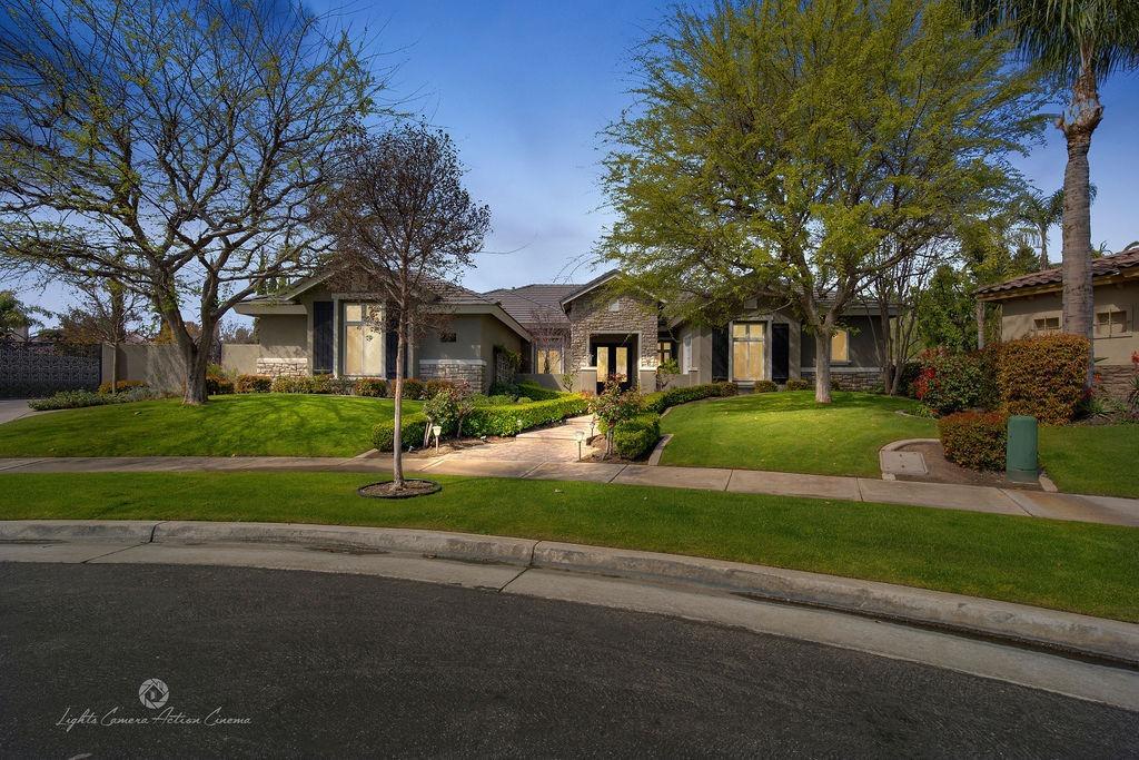 Photo of 305 Alum Bay Court, Bakersfield, CA 93312