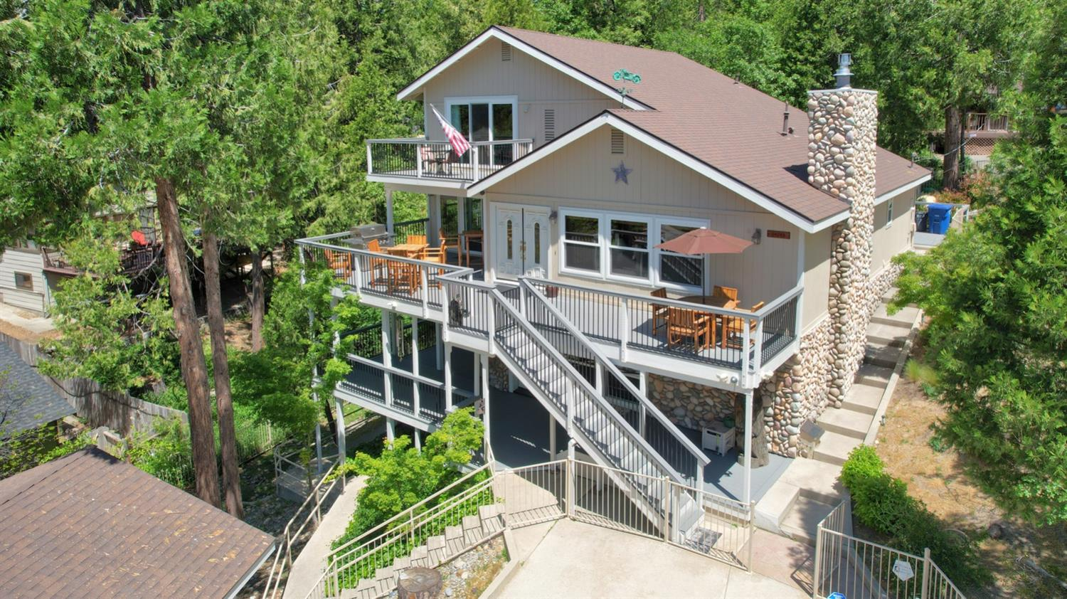 Photo of 54763 Willow Cove Rd, Bass Lake, CA 93604