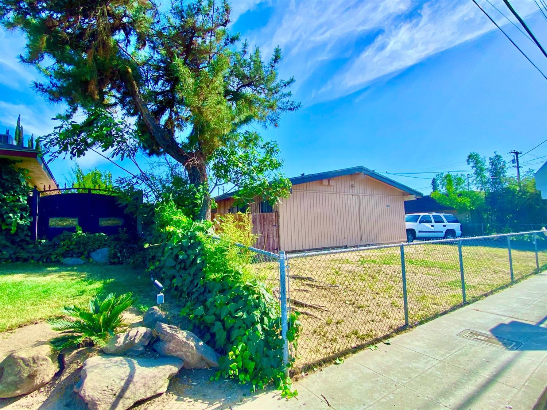 1145 W university Avenue, Fresno, CA 93705