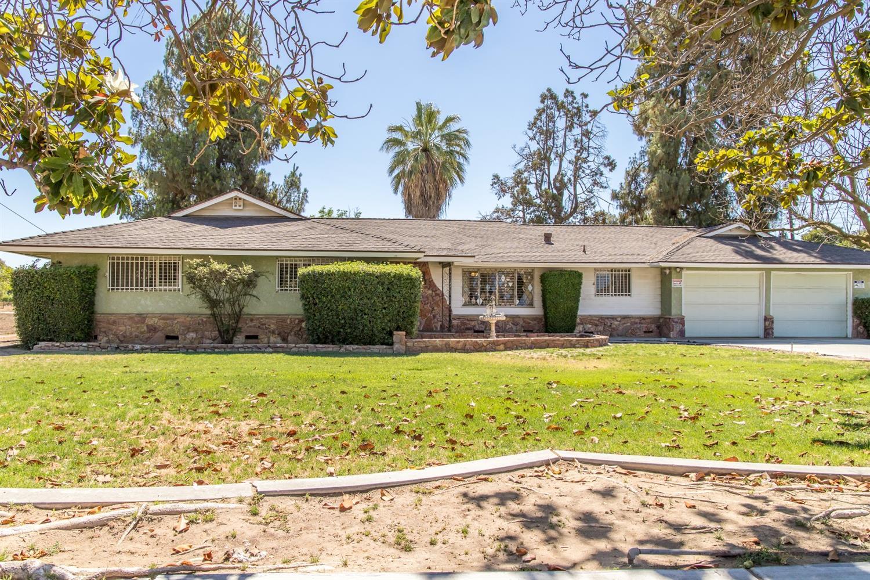 1512 N Brawley Avenue, Fresno, CA 93722