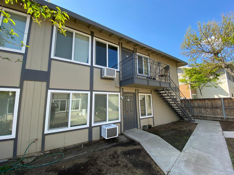 4538 E Hamilton Avenue, Fresno, CA 93702
