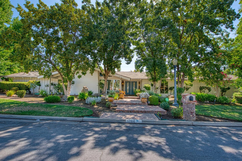 Photo of 5786 N Woodson Avenue, Fresno, CA 93711