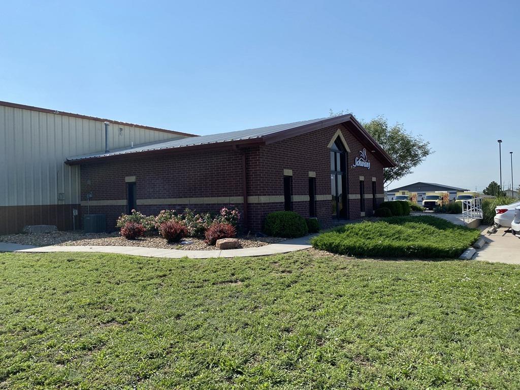 220 Airlinks Road, Garden City, KS 67846