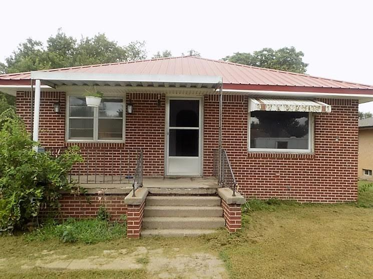 Great brick home for first time home buyer or investment property.