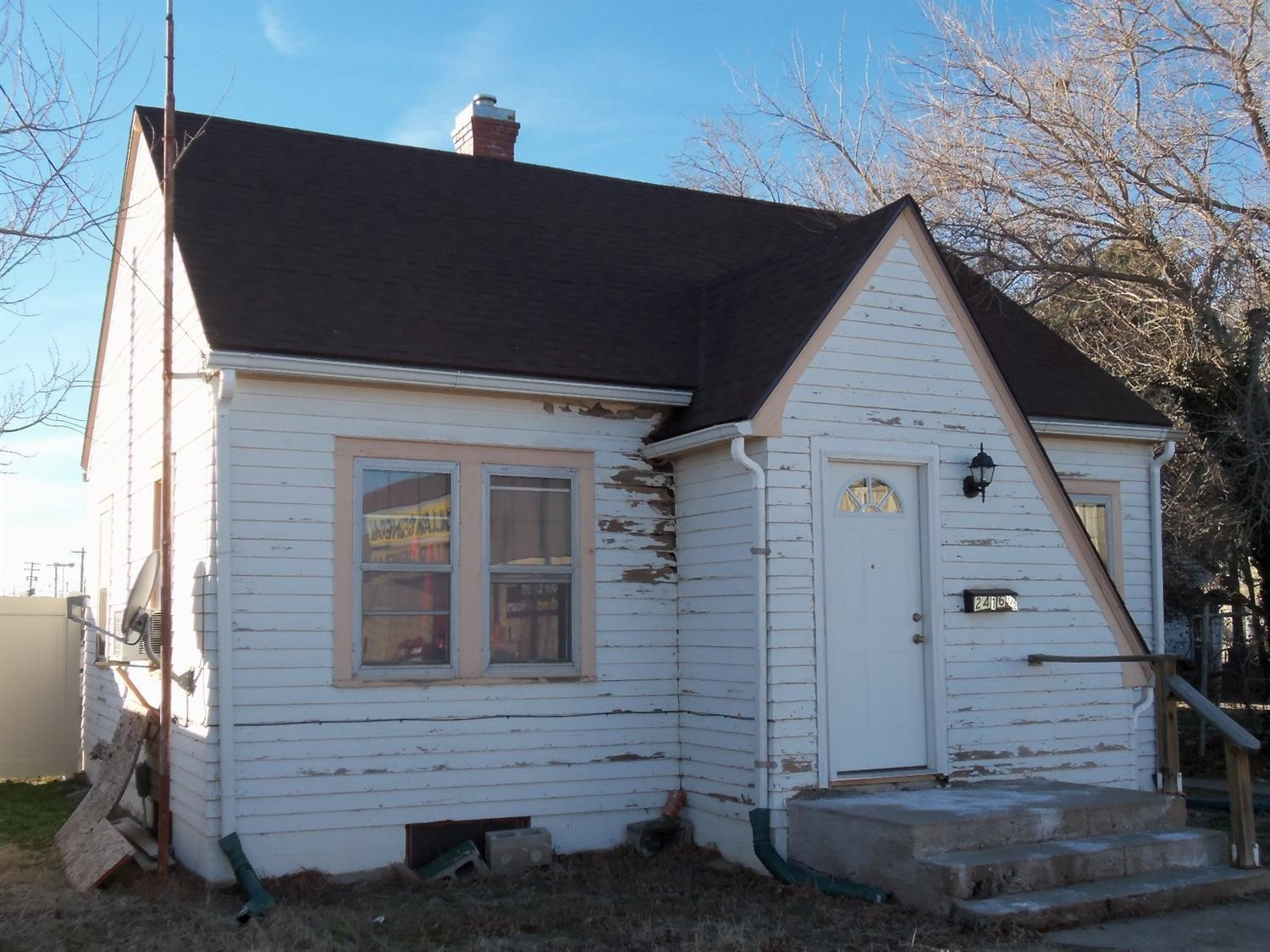 This house is included with the Commercial building next door that is Mary's Kitchen. Rents for $400 a month.  No lease or deposit. House has new CH/CA.