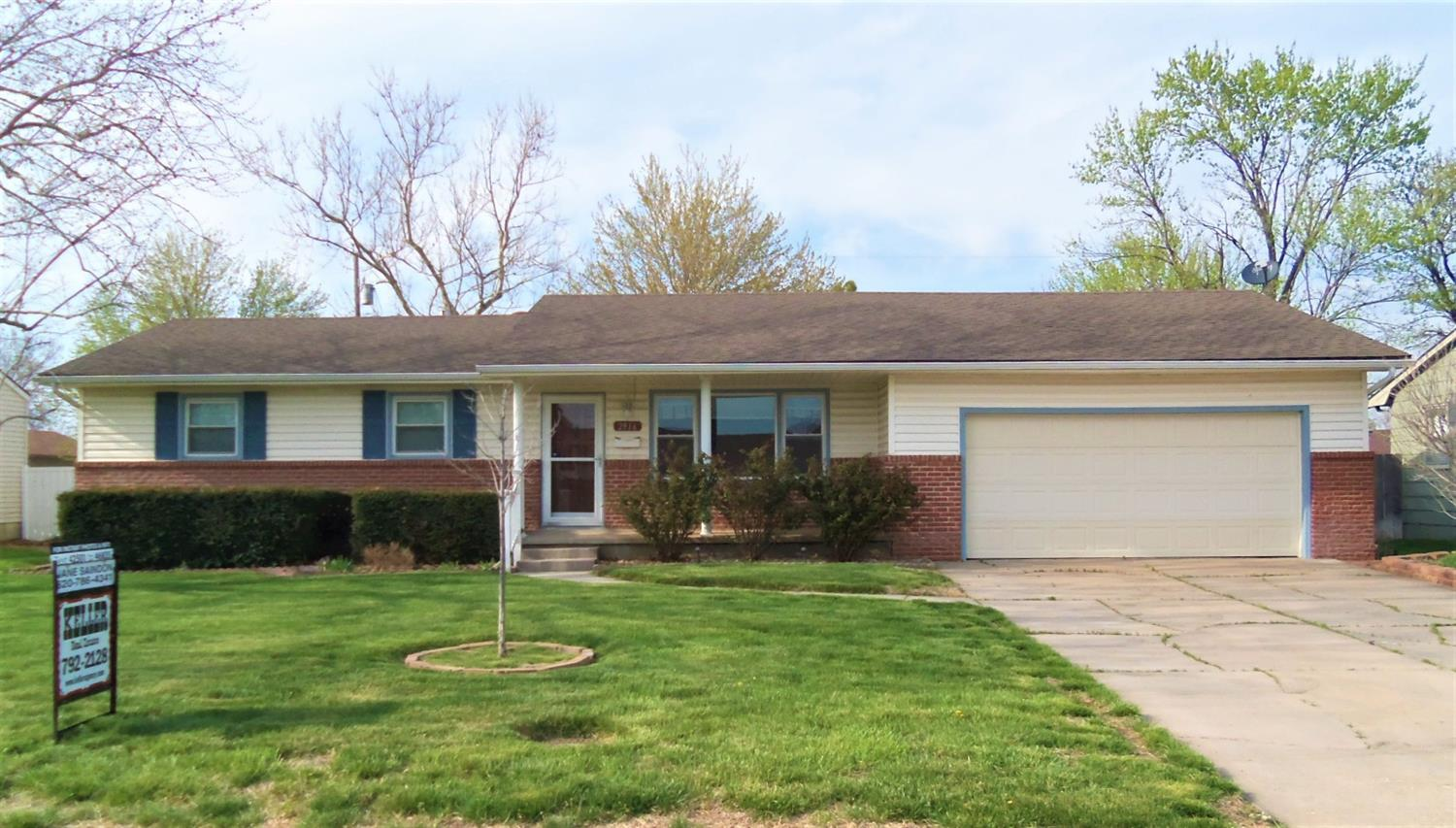 Great neighborhood, Three bedroom, two baths, brick & sided, maintenance free exterior home.  Living room with engineered hardwood floors. Kitchen and dining area with tile floors and all newer appliances.  Basement with large family room, non-conforming bedroom, 3/4 bath, utility and storage room.  Over-sized double car garage , covered patio, privacy fenced yard with sprinklers.