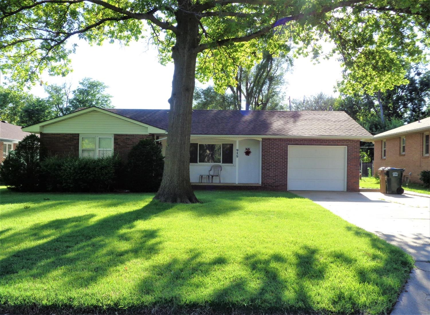 Very well maintained home is this Brick 3 bedroom, 1 bath home. It has a single attached garage with an insulated door, large backyard. Exterior is maintenance free. This home is priced to sell! Call today for your private showing.