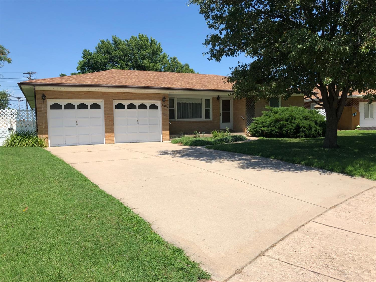 Well maintained 4 bedroom/2 bath brick home.  Newer roof, replacement windows, CH/CA-2014 & D/A garage. All on 1 level. Great value per sq. ft.