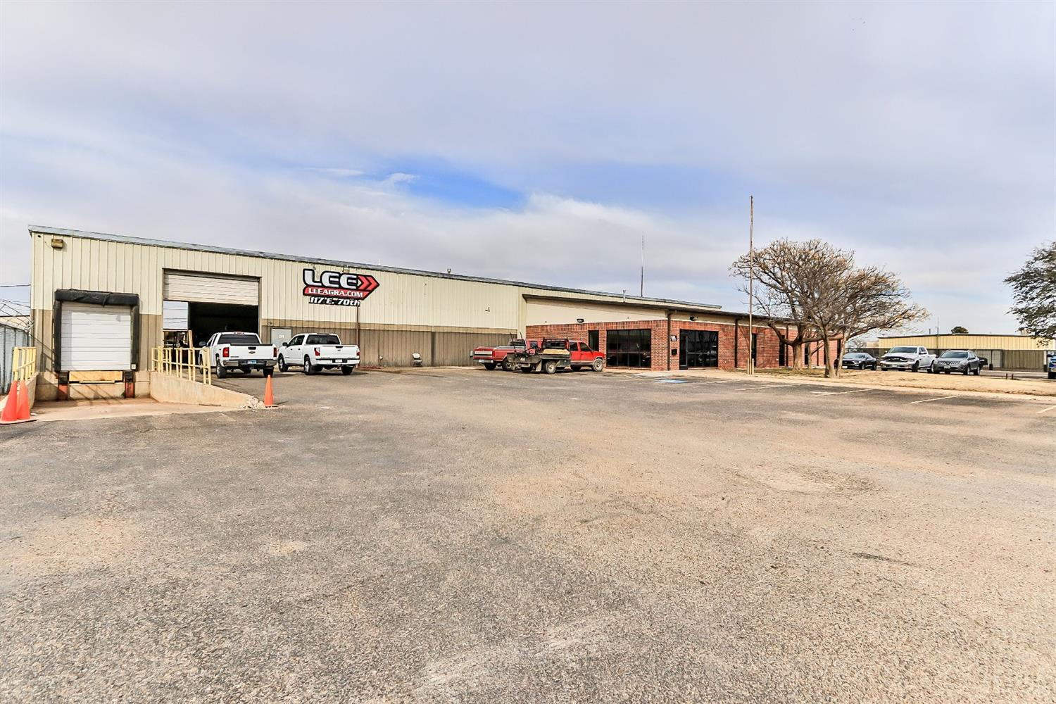 Property is located between Slaton Highway (US 84) and Loop 289, just east of I-27. Light manufacturing company is currently occupying the space, and have recently renewed their lease. Ceiling Height: 19' 5; 3 Phase 220 V - Dock High Door; New HVAC - 2017; Offices Remodeled in 2017; Roof Replaced in 2015 with High Quality Membrane Roof