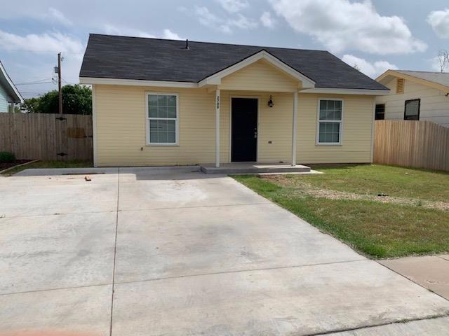 Recently built, beautiful spacious home with huge backyard. Located just north of Tech campus with bus stop just down the street.