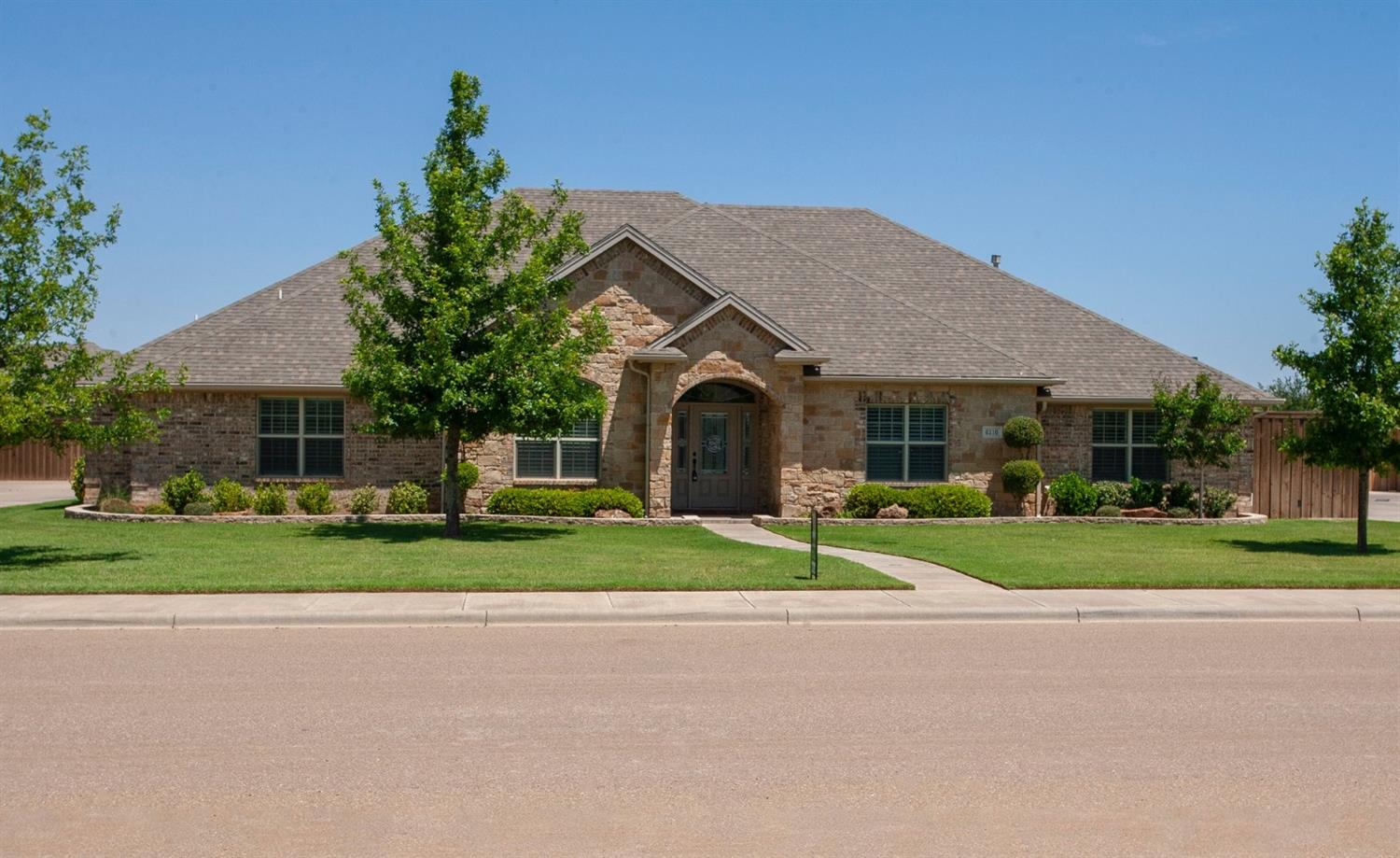 This gorgeous 4 bedroom 3.5 bath is located in Lubbock- Cooper District in Fountain Hills Estates! This home is great for entertaining with an amazing floor plan, basement, and pool! Don't miss out on your chance to own this gorgeous home!