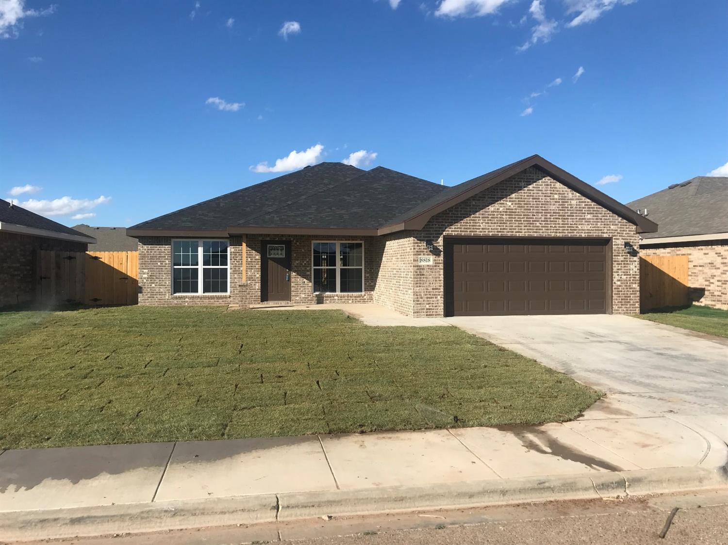 great 4 bedroom 3 full bath plus office formal dinning and breakfast area.  great house for families with big back porch.