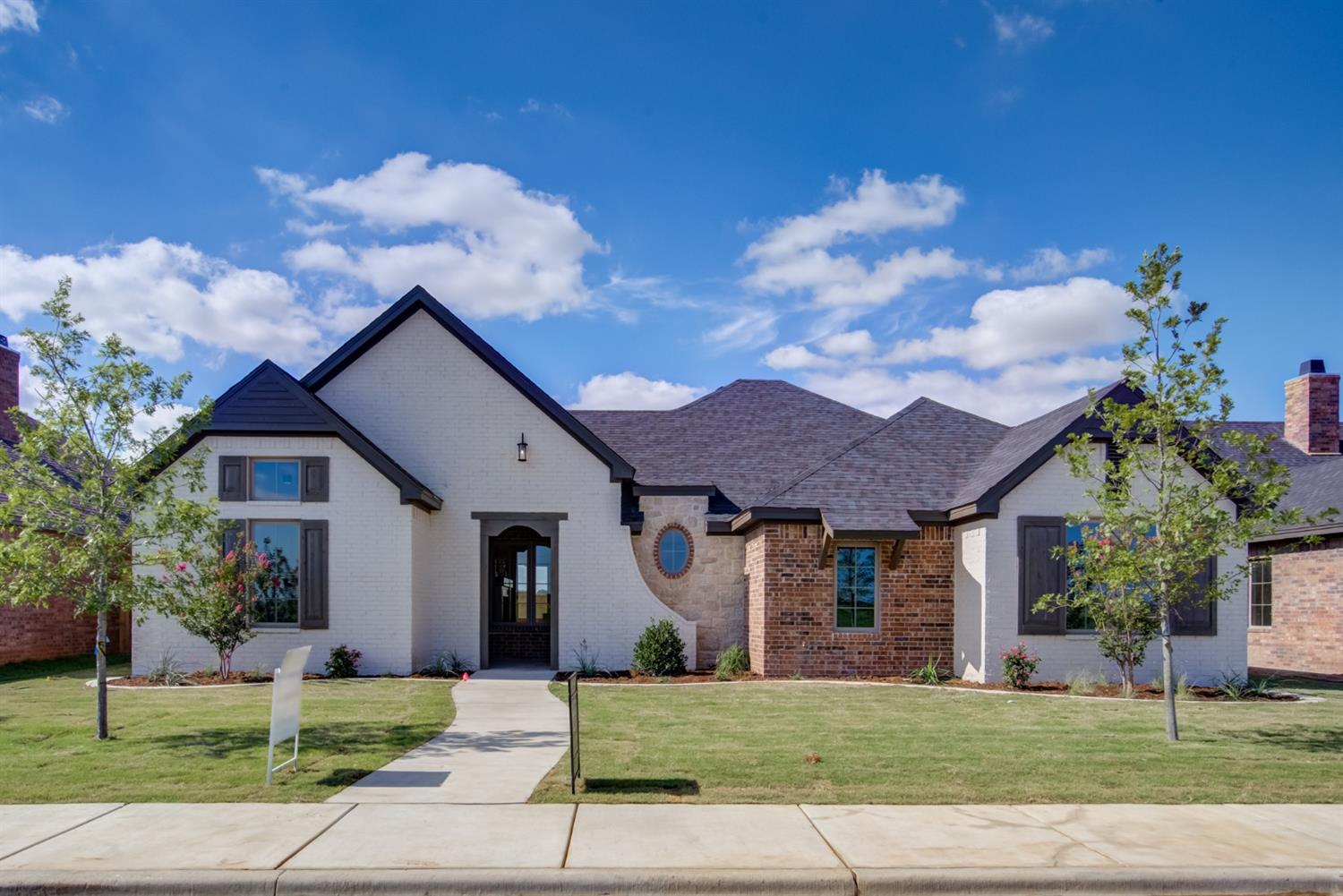Back to School, August Only, Sharkey is offering $5,000 towards Closing Costs!!! Eastwick Summer 2019 Tour home built by Sharkey Custom Homes, Inc.  This beautiful and affordable home will have all of the bells and whistles that Sharkey Homes provide.  You will love the large family room, gorgeous ceilings and stone accents.  It is a great floor plan for family gatherings and entertaining.