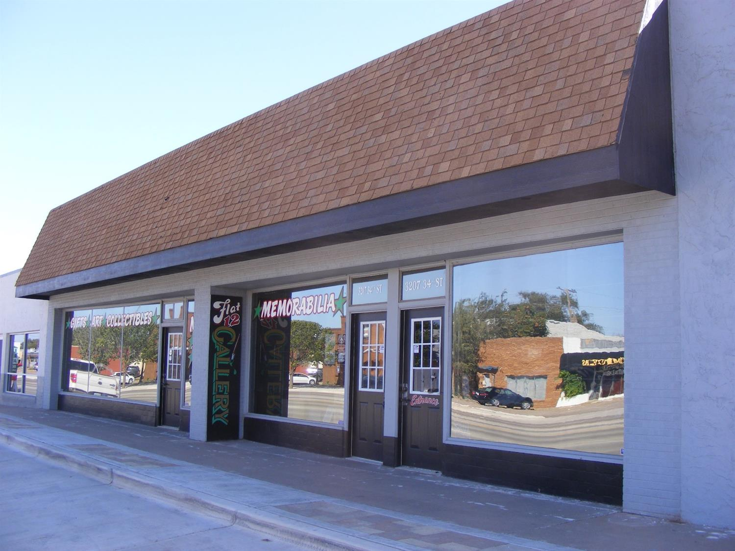 Recently remodeled retail space that can be converted to office space. Remodeled in 2014. For More Information, Text Code 21919 to 35244
