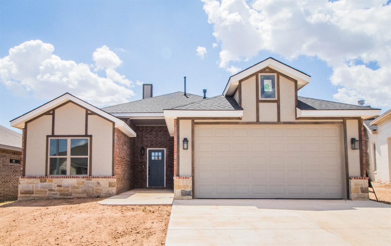 This lovely Craig Roberson property combines the luxury of modern amenities with the classic flavor of home. If you're looking for a tasteful property with carefully crafted finishes, this may be the new home you've been looking for!