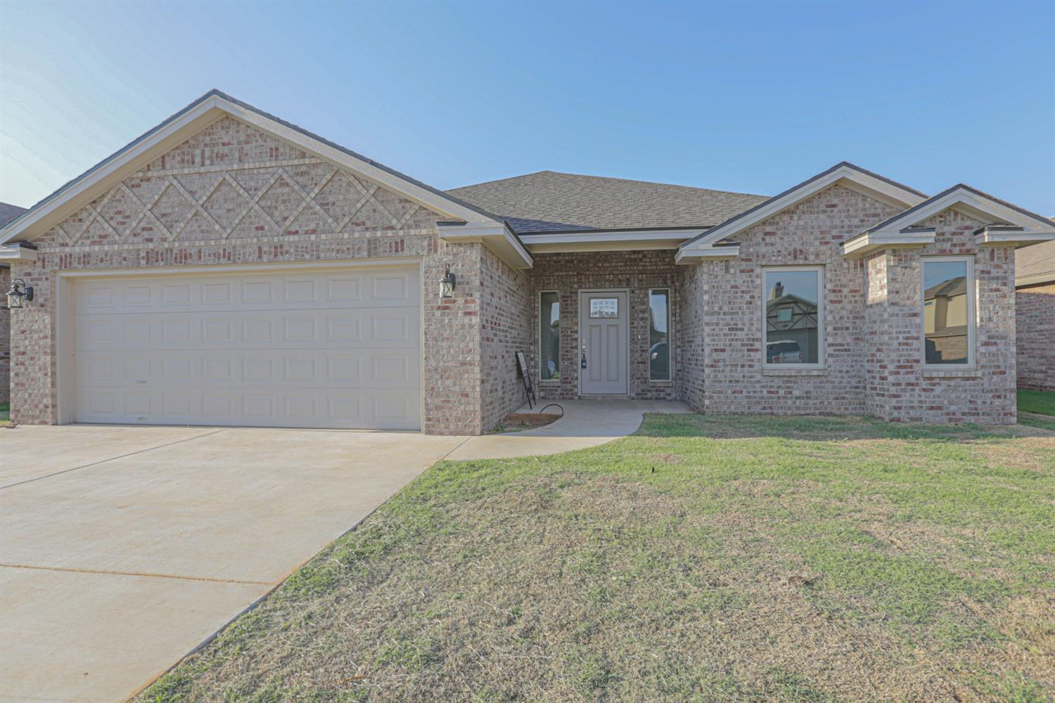 Fresh and Modern, with a wonderful floor plan! Come see this 3/2/2 on a quiet cul-de-sac in Award-winning Frenship school district. You will LOVE the Open concept design ~ features include a large island kitchen with walk-in pantry, mud area coming in from garage, and a large isolated master suite with double-sided fireplace and office nook, and GIANT closet! Built-in custom cabinetry, upgraded lighting, and durable vinyl plank flooring make this home a 10+. It even has recirculating hot water! Come see ~ Call it HOME!