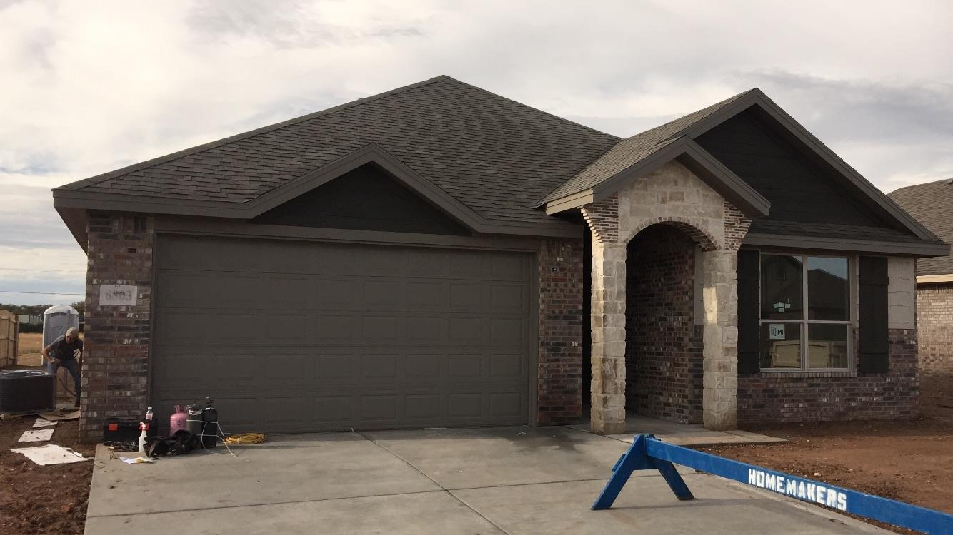 Beautiful new construction in Willow Bend, great neighborhood, move in ready, in a cul-de-sac. This 3/2/2 home has an open floor plan with great space in kitchen, includes stainless steel appliances, granite counters, with free standing gas range. Granite in bathrooms and tile floors, lots of storage, with tub/shower combo in 2nd bath. This home has great natural lighting, beautiful tall ceilings in living, and won't last long.  Both sod and tree are included, as well as a sprinkler system in front and side yard. Hampton plan